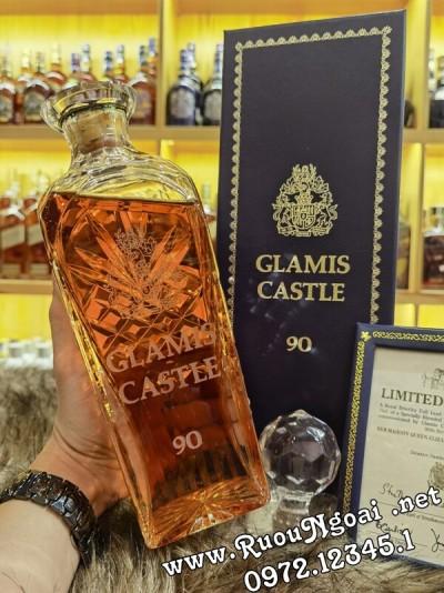 Rượu Glamis Cartle Mừng Sinh Nhật Lần Thứ 90 của Nữ Hoàng Trong Lâu Đài Glamis