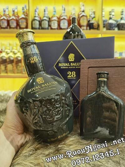Rượu Royal Salute 28YO